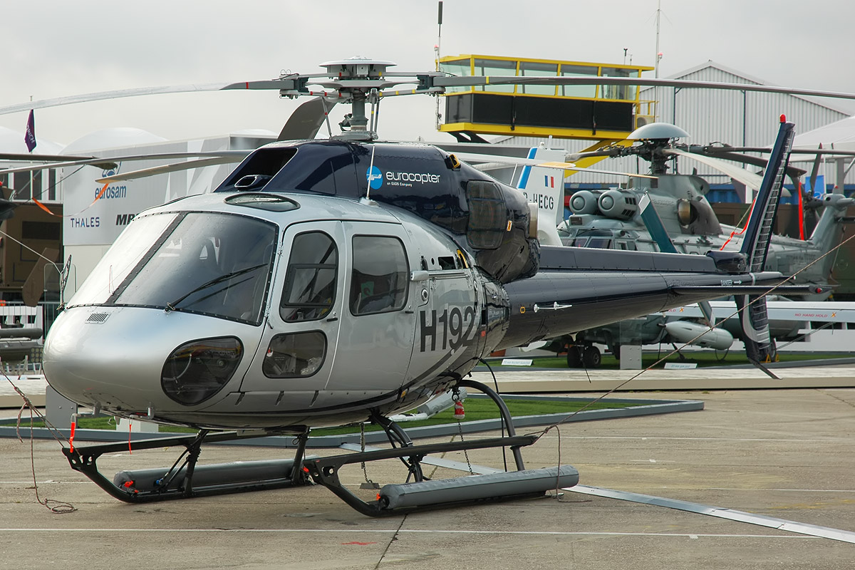Eurocopter_AS-355N_Ecureuil_2