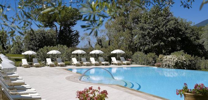 chateau_saint_martin_piscina