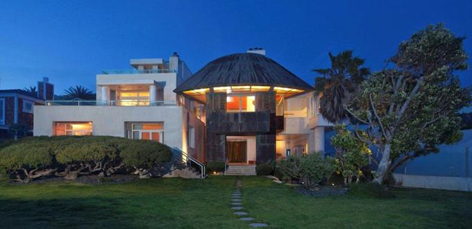 Steven Spielberg ha venduto la sua esclusiva villa di Malibù per 35 milioni di dollari