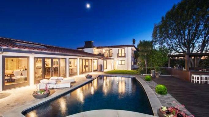 L'addio di Mila Kunis alla sua villa da single