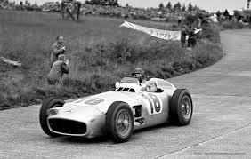 la W196R durante una competizione
