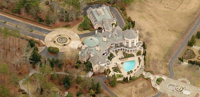 Tyler Perry mette in vendita la sua residenza di lusso per 25 milioni di dollari