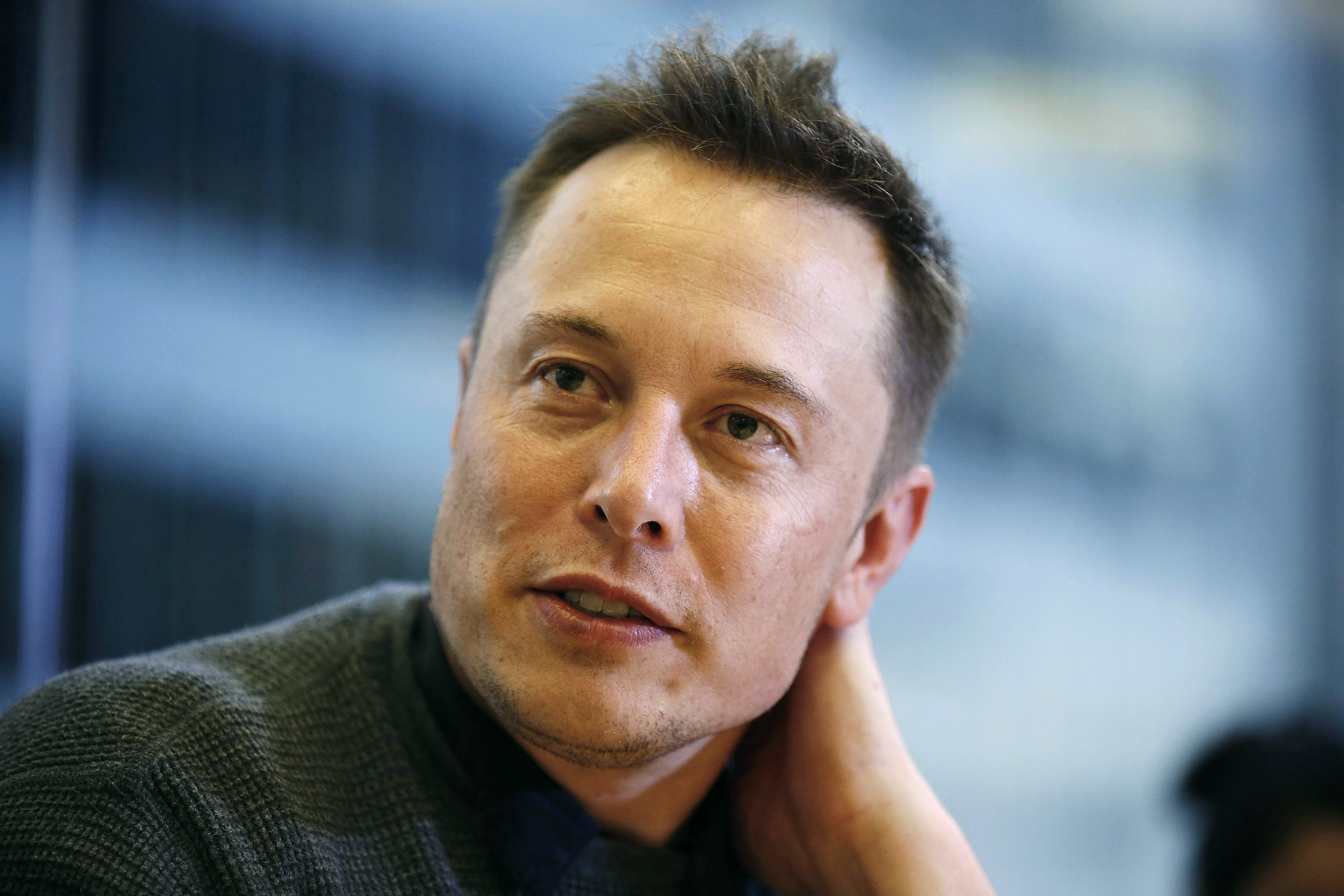 Elon Musk, Chief Executive of Tesla Motors and SpaceX, attends the Reuters Global Technology Summit in San Francisco June 18, 2013. REUTERS/Stephen Lam (UNITED STATES - Tags: BUSINESS SCIENCE TECHNOLOGY TRANSPORT)