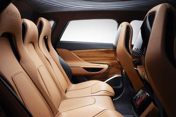 jaguar f pace il primo suv del giaguaro presentato a francoforte denaro24. Black Bedroom Furniture Sets. Home Design Ideas