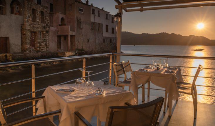 Un pranzo romantico vista mare